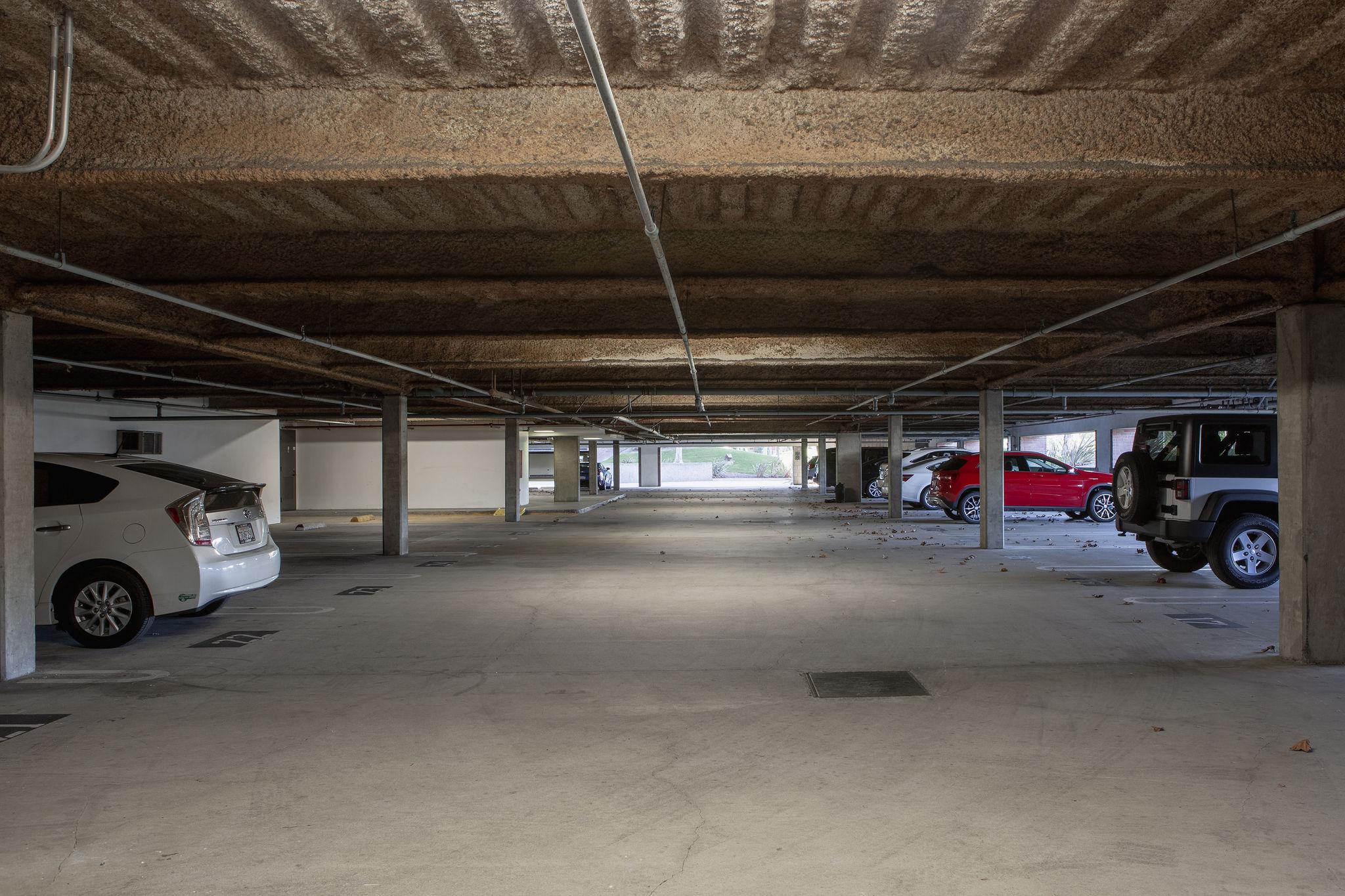 17300_redhill_before_parking_garage